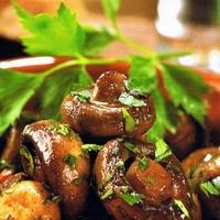 gebakken champignons met knoflook