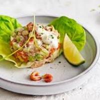 Salade Hollandse garnalen en rivierkreeftenstaart.