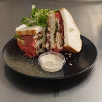Carpaccio Sandwich (wit brood)