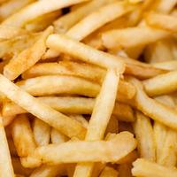 Extra hele zak friet met mayonaise