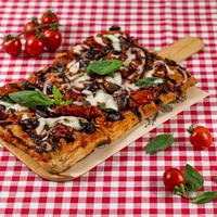 SUGO pizza | Pomodori & mozzarella