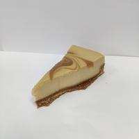 Caramel salted cheesecake